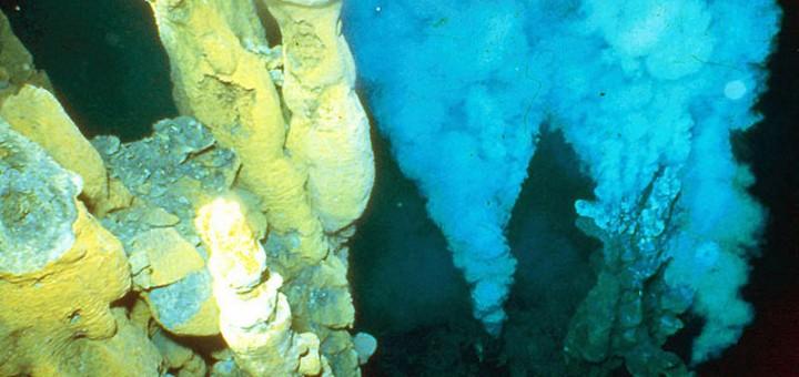 Chimeneas-hidrotermales-submarinas